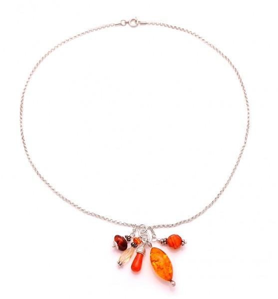 Halskette mit Bernsteinen und Silber